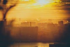 Zonsondergang over de Stad royalty-vrije stock afbeelding