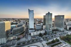 Zonsondergang over de stad van Warschau, Polen Royalty-vrije Stock Fotografie