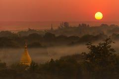 Zonsondergang - Bagan - Myanmar Royalty-vrije Stock Foto