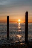 Zonsondergang over de Vreedzame oceaan stock foto's