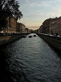 Zonsondergang over de zwarte rivier royalty-vrije stock afbeelding