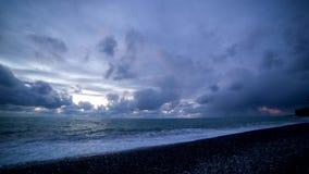 Zonsondergang over de Zwarte Zee stock video