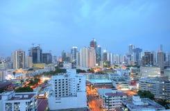 Zonsondergang over een stad Stock Afbeelding