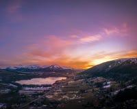 Zonsondergang over Eide-heuvel stock fotografie
