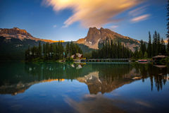Zonsondergang over Emerald Lake in Yoho National Park, Canada royalty-vrije stock fotografie