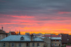 Zonsondergang over gebouwen in Lublin, Polen Royalty-vrije Stock Foto's