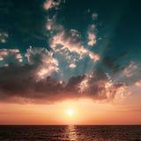 Zonsondergang over het Ionische Overzees, Griekse Eilanden stock foto's