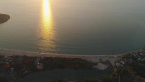 Zonsondergang over het overzees stock footage