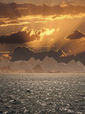 Zonsondergang over het overzees. Stock Afbeeldingen
