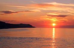 Zonsondergang over het overzees. Royalty-vrije Stock Foto's