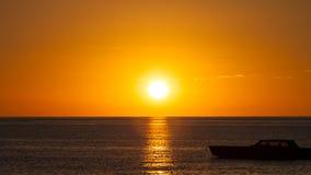 Zonsondergang over het overzees royalty-vrije stock foto's