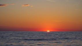 Zonsondergang over het overzees stock videobeelden