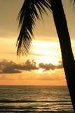 Zonsondergang over het overzees, Thailand. Stock Fotografie
