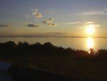 Zonsondergang over het Reservoir van Gorky Stock Afbeelding