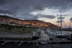 Zonsondergang over jachthaven in Funchal Stock Foto
