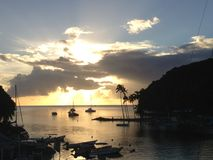 Zonsondergang over Marigot-Baai St Lucia stock fotografie