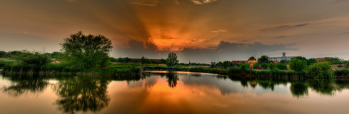 Zonsondergang over Meer Stock Foto's