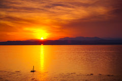 Zonsondergang over meer Garda Royalty-vrije Stock Foto's