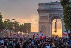Zonsondergang over Parijs na van 2018 15 de Wereldbekerdef. van Juli Stock Afbeeldingen