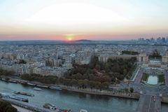 Zonsondergang over Parijs, Rivierzegen en Ile de France Royalty-vrije Stock Foto's