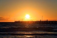 Zonsondergang over Pier, Adelaide, Australië Royalty-vrije Stock Afbeeldingen