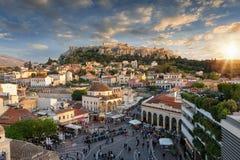 Zonsondergang over Plaka, de oude stad van Athene, Griekenland royalty-vrije stock fotografie