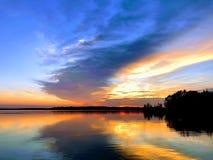 Zonsondergang over Pymatuning-meer in Pymatuning-het park van de staat Pennsylvania royalty-vrije stock afbeelding