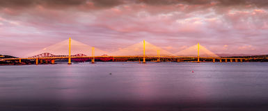 Zonsondergang over Queensferry-Kruising Royalty-vrije Stock Foto
