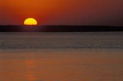 Zonsondergang over rivier Chobe, Botswana Stock Foto's