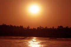 Zonsondergang over rivier Nijl Stock Fotografie