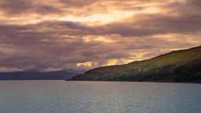 Zonsondergang over Schotse kust stock foto