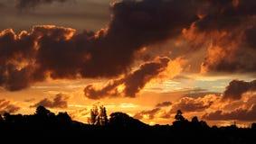 Zonsondergang over Te Atatu Peninsula, Auckland, Nieuw Zeeland Stock Foto's