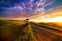 Zonsondergang over Toscanië royalty-vrije stock foto's