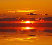 Zonsondergang over water Royalty-vrije Stock Afbeelding