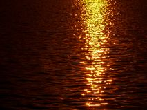 Zonsondergang over Zambezi Rivier stock foto's