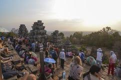 Zonsondergang in Phnom Bakheng, Angkor Royalty-vrije Stock Foto's