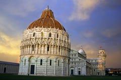 Zonsondergang in Piazza dei Miracoli, Pisa Stock Afbeelding