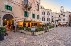 Zonsondergang in Polignano een Merrie, Bari Province, Apulia, zuidelijk Italië royalty-vrije stock foto