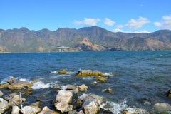 Zonsondergang in San Pedro Laguna Atitlan Lake Guatemala stock foto's