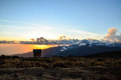 Zonsondergang in Shira Cave Camp - Kilimanjaro, Tanzania, Afrika Royalty-vrije Stock Foto's