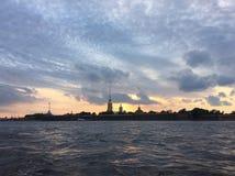 Zonsondergang in St Petersburg royalty-vrije stock foto