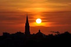 Zonsondergang in stad Stock Foto