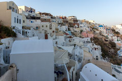 Zonsondergang in Stad van Oia, Santorini, Tira Island, Cycladen Royalty-vrije Stock Foto's