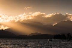 Zonsondergang in Te Anau Lake, Nieuw Zeeland Royalty-vrije Stock Afbeelding
