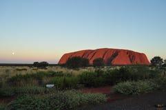 Zonsondergang in Uluru-ayersrots, rood centrum Australië royalty-vrije stock foto