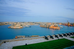 Zonsondergang in Valletta stock foto's