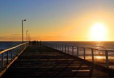 Zonsondergang van de Pier van de Seinpaal, Adelaide, Australië stock fotografie