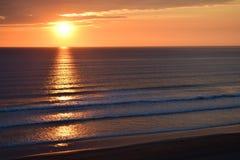 zonsondergang van een duin in Engeland stock afbeeldingen