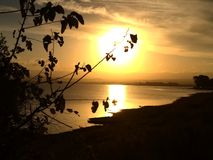 Zonsondergang van een peacefullmiddag stock afbeeldingen