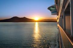 Het Schip van de zonsondergang en van de Cruise Royalty-vrije Stock Foto